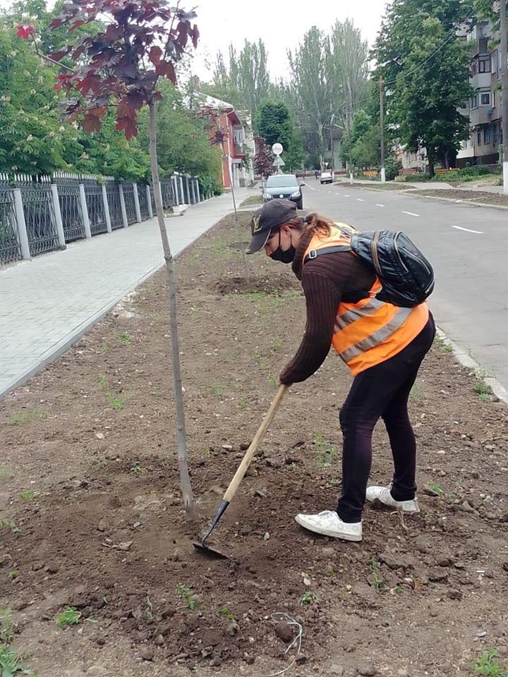 Комунальники працюють у місті Покров